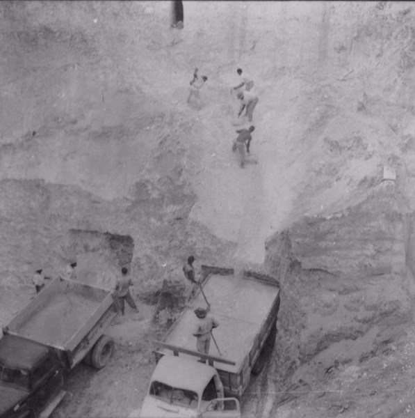 Extração de caolin na serra de Bicas (MG) - 1958