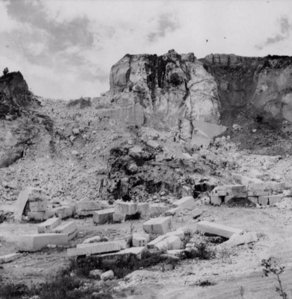 Jazida de mármore : Município de Mar de Espanha - 1958