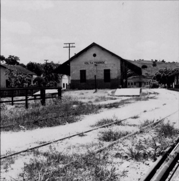 Estação férrea da cidade de Volta Grande (MG) - s.d