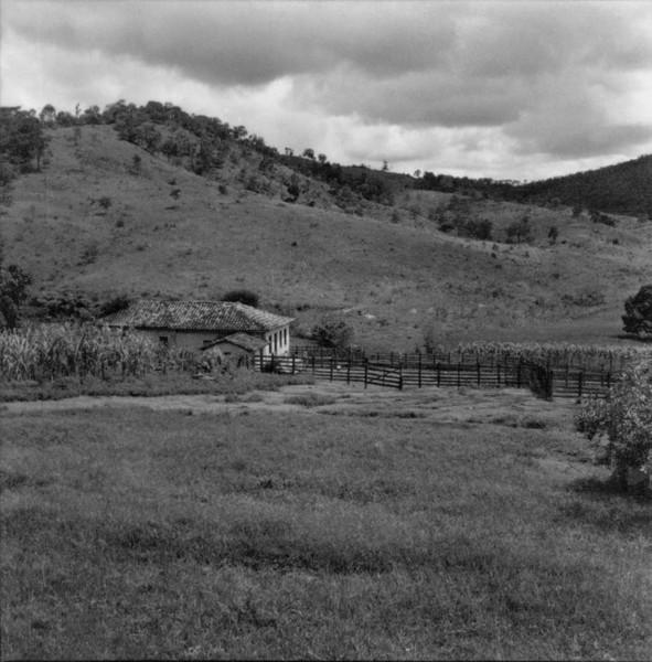 Panorâmica : estrada para a cidade de Pará de Minas (MG) - 1967