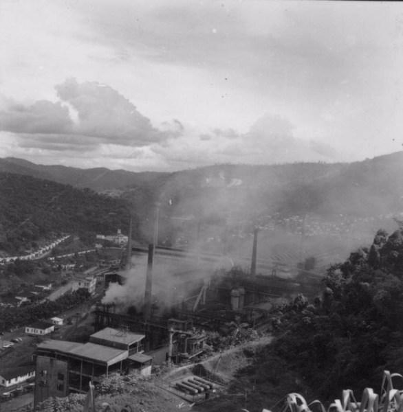 Vista da Siderúrgica Belgo Mineira de Monlevade - M. Cel. Fabriciano (MG) - 1967