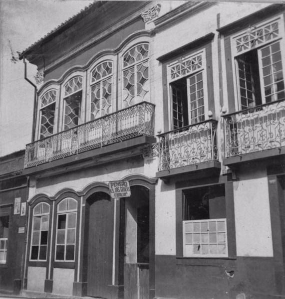 Sobrados antigos em São João Del-Rei (MG) - s.d