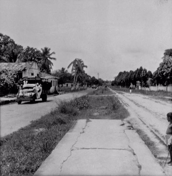 Transporte de carvão vegetal em Ananindeua (PA) - 1956