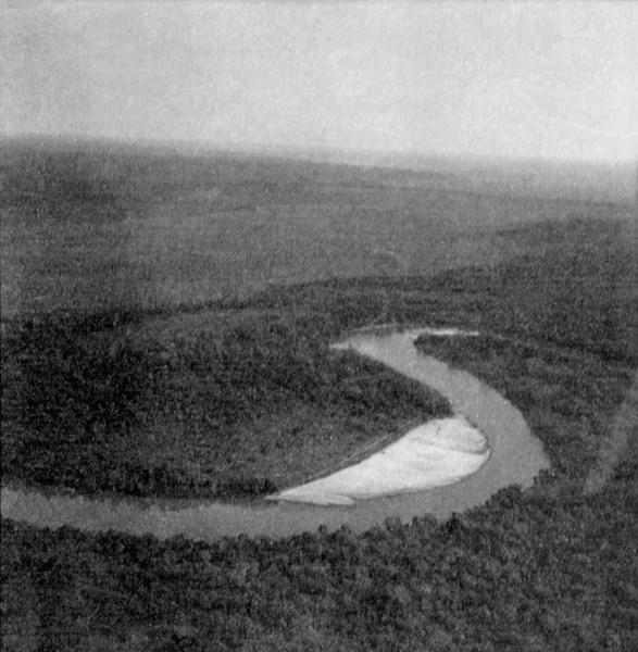 Vista aérea parcial do Rio Teles-Pires em São Félix do Xingu(PA) - 1956