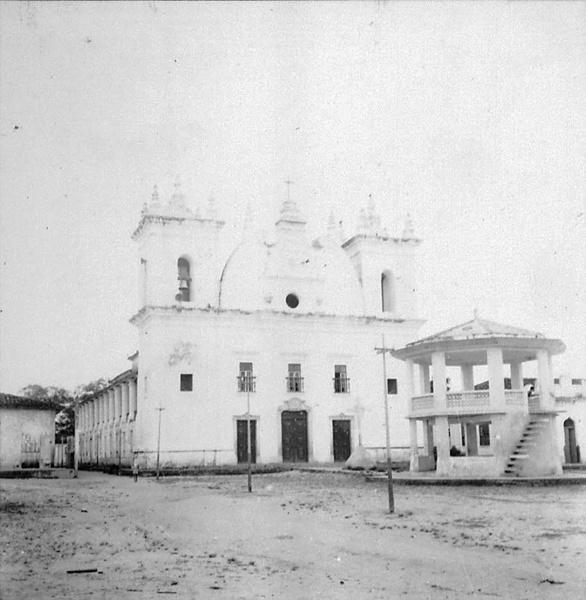 Igreja Matriz de Madre de Deus em Vigia (PA) - déc. 50