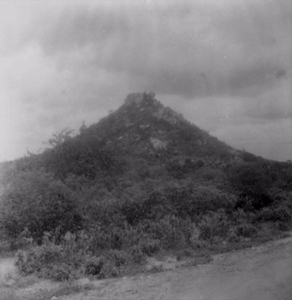 Granito em decomposição na cidade de Terra Nova (PE) - fev. 1962