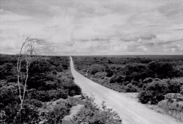 Estrada para Picos em Alegrete do Piauí (PI) - 1957