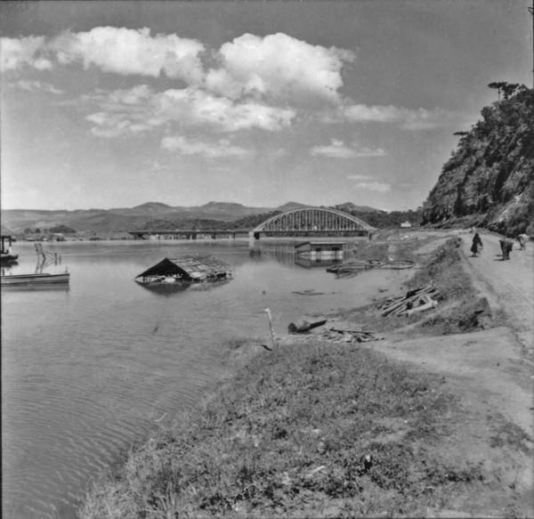 Ponte sobre Rio Iguaçú : Município de União da Vitória (PR) - 1957