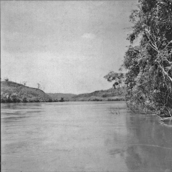 Rio Iguaçú : Município de Chopinzinho (PR) - 1957