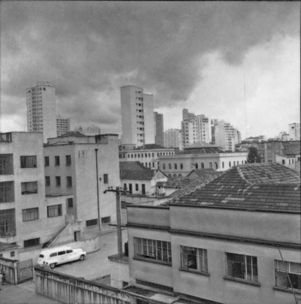 Vista parcial do centro de Curitiba (PR) - 1959