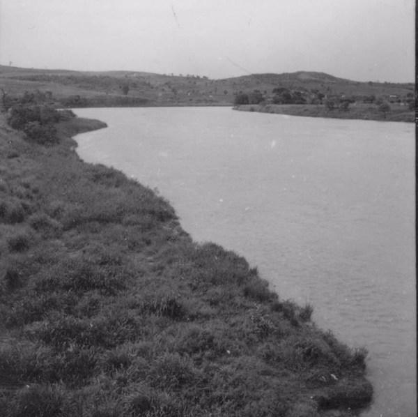 Rio Tibagi : município Assaí (PR) - 1960