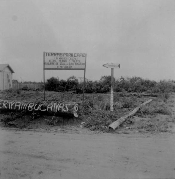 Tabuleta de anúncios de terrenos : Município de Tapejara (PR) - 1960