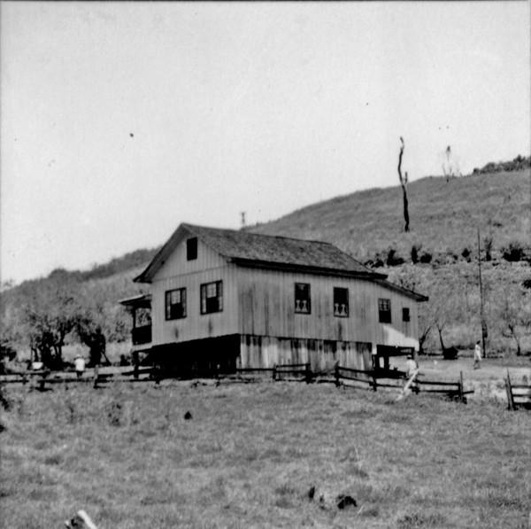 Casa de colono : município de Francisco Beltrão - 1966