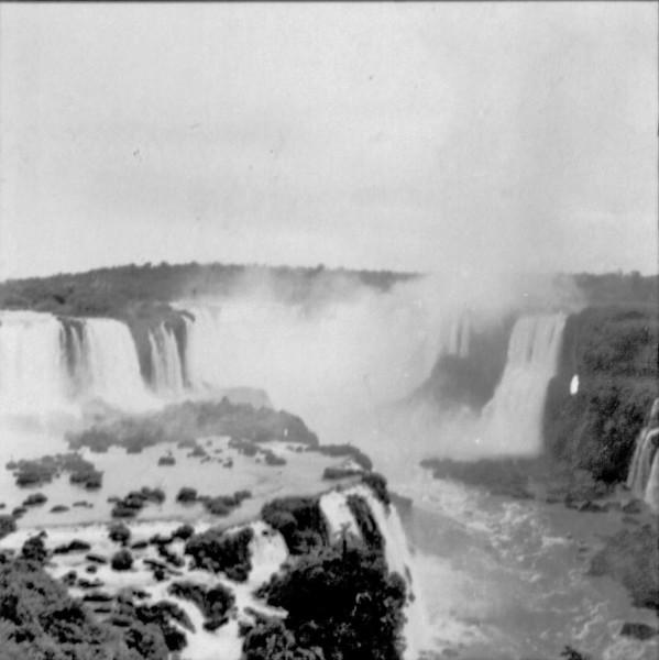 Cataratas do Iguaçu : município de Foz de Iguaçu - s.d.