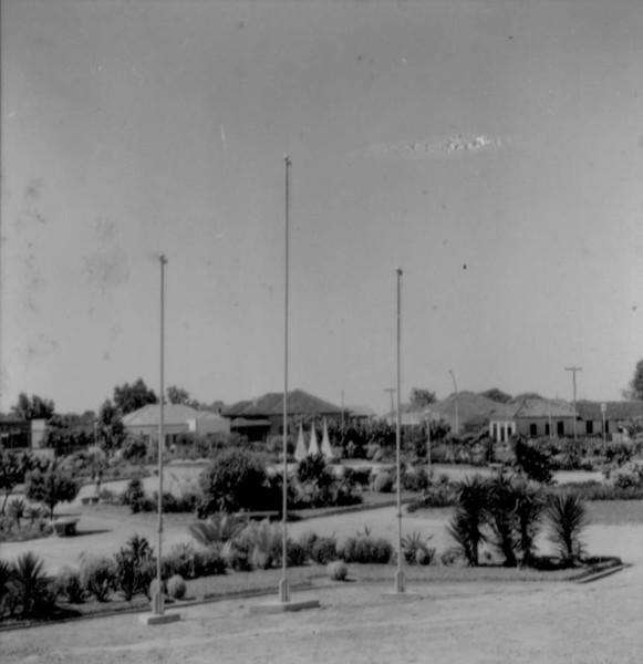 Praça na cidade de Araruna (PR) - s.d.