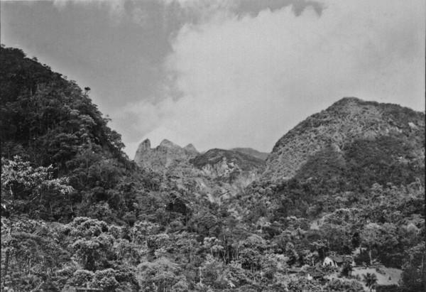 Vista da pedra Birruga do Padre : Teresópolis (RJ) - s.d.