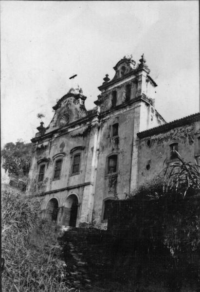 Fachada arruinada do Convento São Bernardino : Angra dos Reis (RJ) - 1955