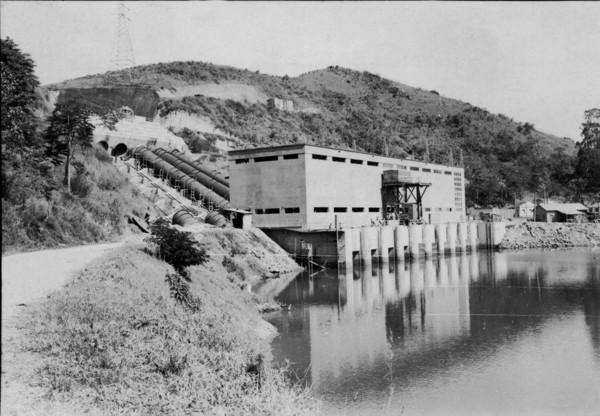 Aspecto exterior da barragem das Lajes (RJ) - 1955