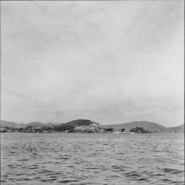 Vista do litoral : Niterói (RJ) - 1957