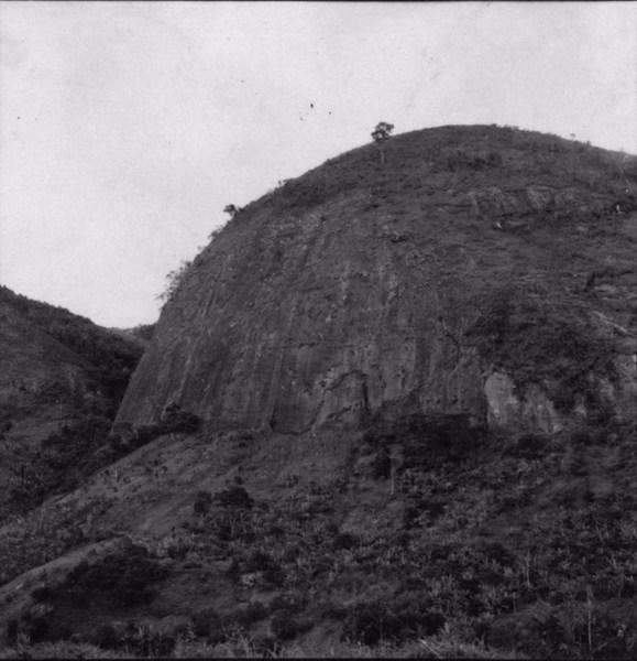 Vertentes rochosas convexas em Nova Friburgo 190 ms. (RJ) - 1957