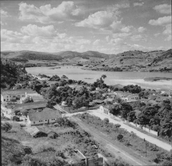 Rio Paraíba à montante de São Fidélis - 1957