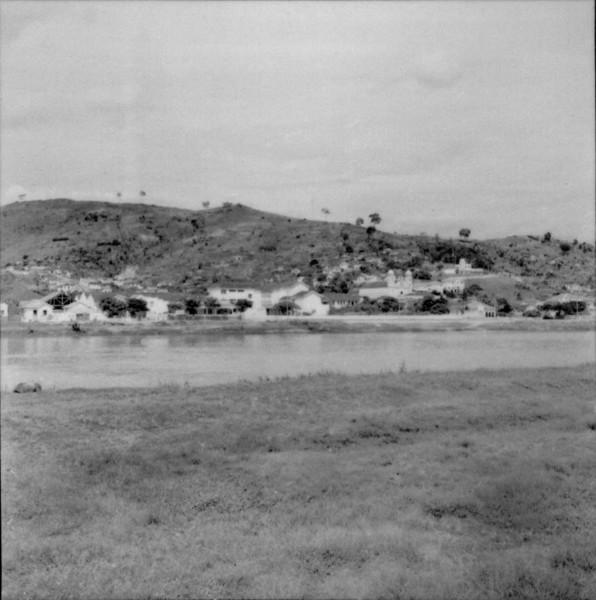 Itaperuna, à margem do rio Muriaé (RJ) - 1957