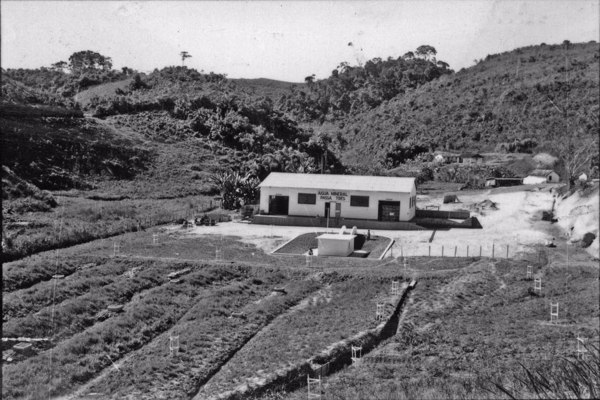 Água Mineral Passa-Três, no município de Itaverá (RJ) - 1958