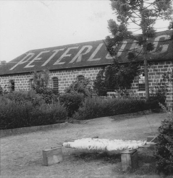 Aspecto exterior da fábrica de champagne Peterlongo (RS) - 1959
