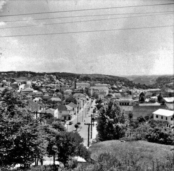 Centro da cidade de Bento Gonçalves, visto do alto (RS) - 1959