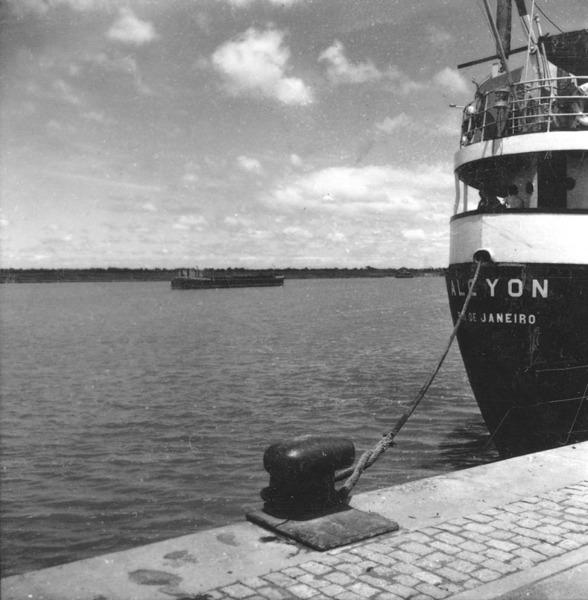 Vista do rio São Gonçalo : Porto de Pelotas : Rio Grande (RS) - 1959