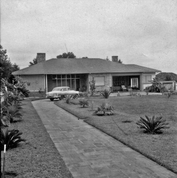 Residência do maior produtor de trigo de Carázinho (RS) - 1959
