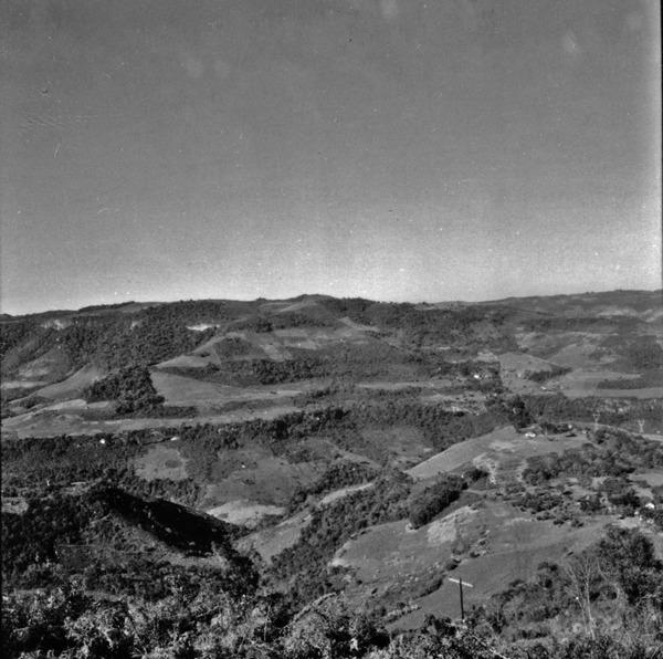 Vista do Vale do Rio das Antas : Veranópolis (RS) - 1972