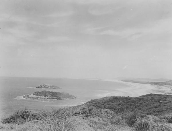 Vista de Imbituba : a direita a vila Henrique Laje (SC) - 1953