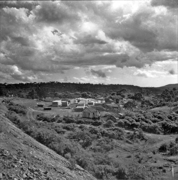 [Aspecto de campo alto, vendo-se serraria, próximo a Santa Cecília (SC)] - 1959