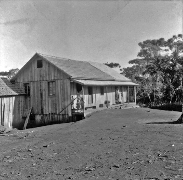 Sede própria de colono alemão, no município de Campo Erê (SC) - 1965