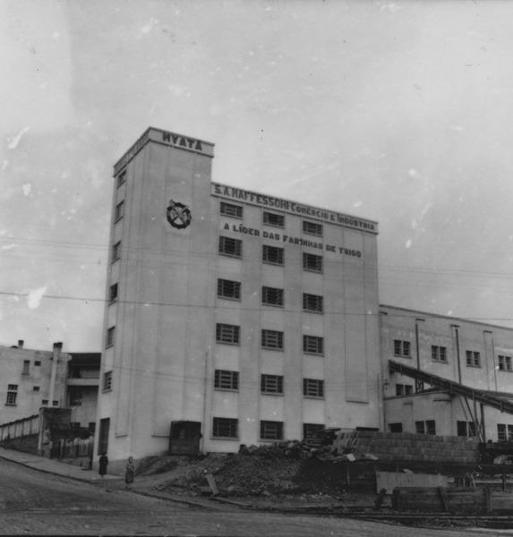 Fachada do Moinho Santo Antônio : Município de Caçador - 1957