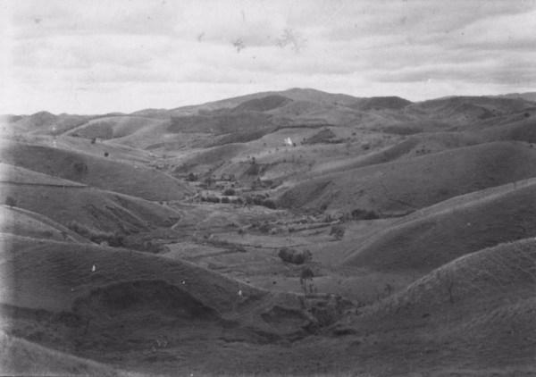 Vale antes de São Luís do Paraitinga : morros devastados (RJ) - 1955
