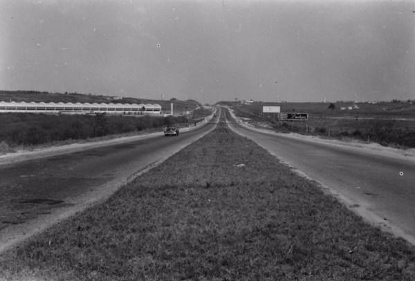 Trecho da estrada Rio-São Paulo (SP) - 1955