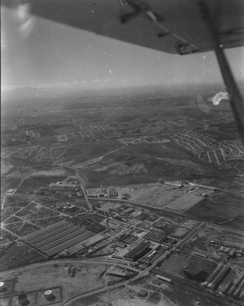 Vista aérea, fábricas em Santo André (SP) - 1956
