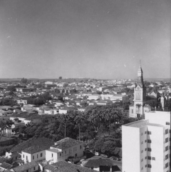 Vista parcial da cidade de Ribeirão Preto (SP) - 1957