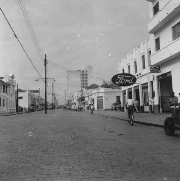 Avenida Sampaio Vidal : Município de Marília - 1957