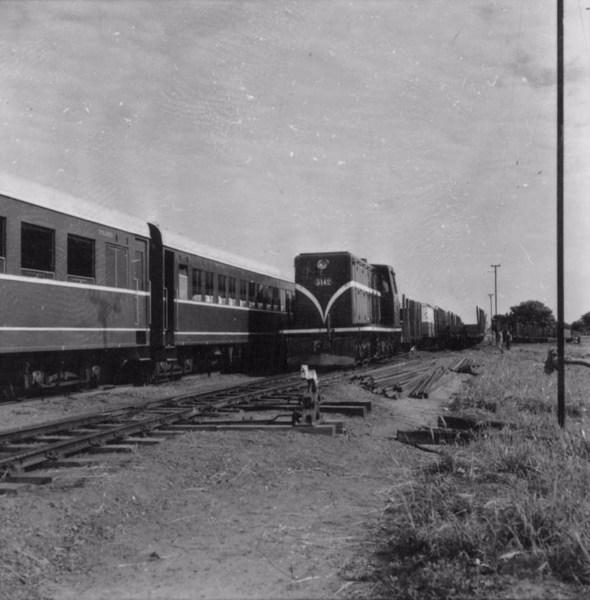 Trem de Sorocaba em Presidente Epitácio (SP) - 1957