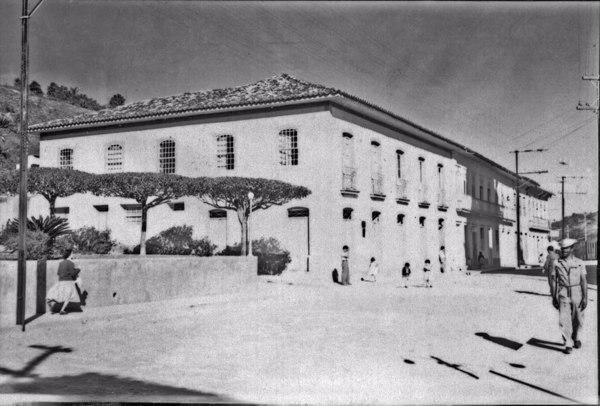 Cidade de Areias, aspecto da rua principal Comandante Sampaio (SP) - 1958