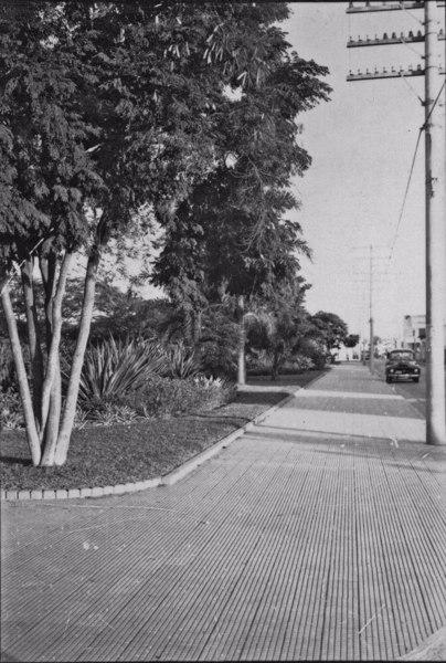 Aspecto da Praça Afonso Pena, na cidade de São José dos Campos (SP) - 1958