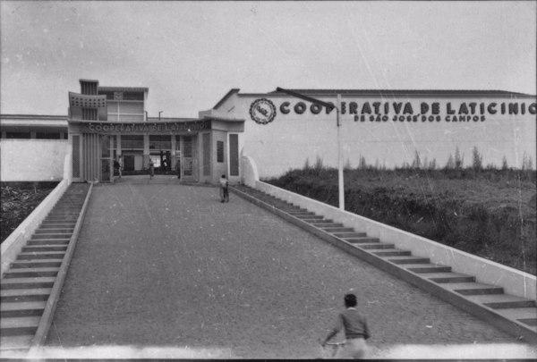 Cooperativa de laticinios de São José dos Campos (venda de leite, manteiga e creme) (SP) - 1958