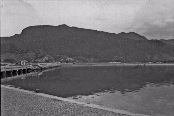 Aspecto do relevo da Serra do Mar, na cidade de São Sebastião (SP) - 1958