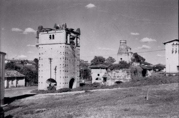 Altos-fornos de Varnhagem : Município de Araçoiaba da Serra - 1958