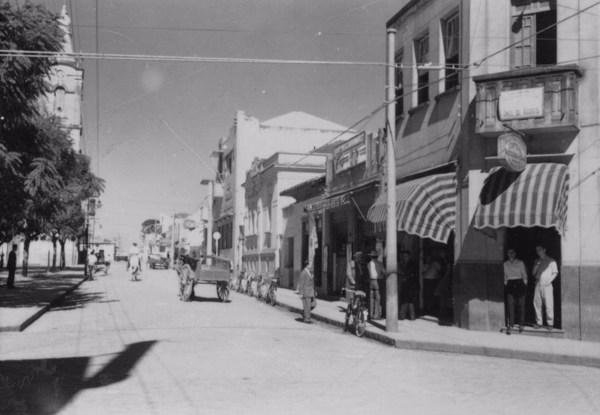 Aspecto da praça principal da cidade de Tatuí (Praça Coronel Fernando Prestes) (SP) - 1958