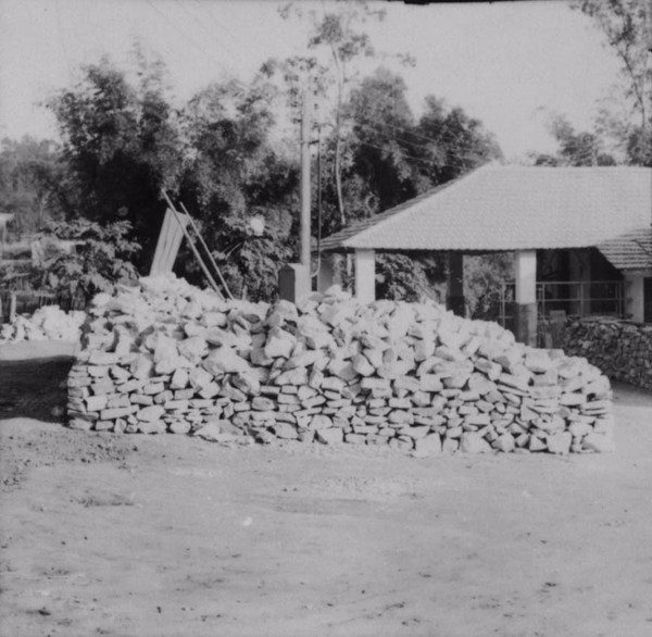 Moinho de minérios São Francisco, produtos de pó de mármore, madrepérola branca : Município de Itapira (SP) - 1958