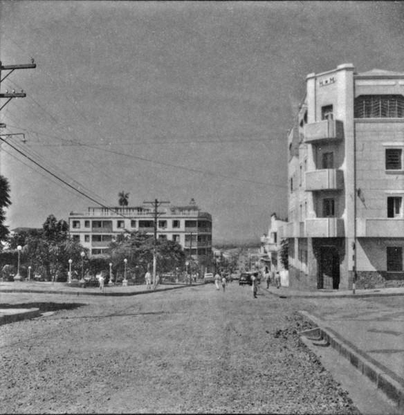 Praça da Bandeira em frente à Rua Paes Leme (SP) - 1960